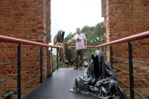 trio biennial  biennale sculpture 3d parque das ruinas rio de janeiro guardians of time sculpture art arts design manfred kili kielnhofer