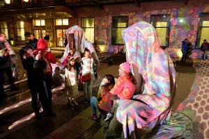 spotlight-festival-bucharest-festival-of-lights-guardians-of-time-manfred-kielnhofer-lightart-show-art-arts-design-sculpture-statue-gallery-museum-3922